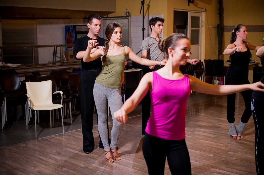 egyetlen táncoktatás bensheim falling latin