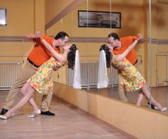 Jegyes tánccsoport és magánórák