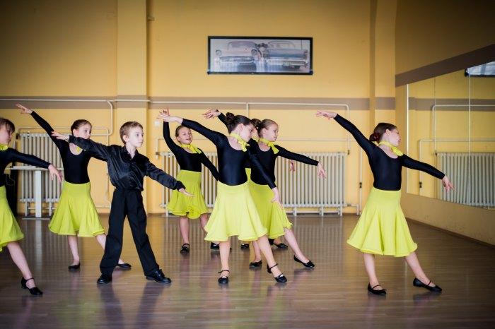 Kisiskolás táncoktatás